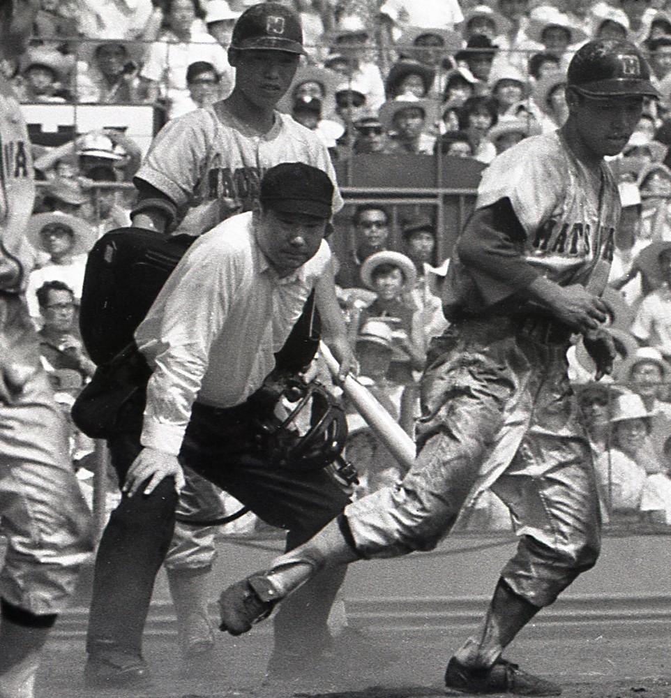 Baseball Gate              プロ野球            天国の黒子に届いた栄誉 郷司裕氏殿堂入り