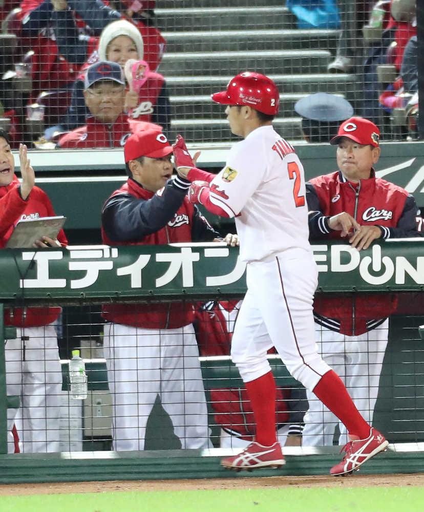 広島 初戦に続いて第2戦も初回に先制!二塁打の田中を誠也が還す