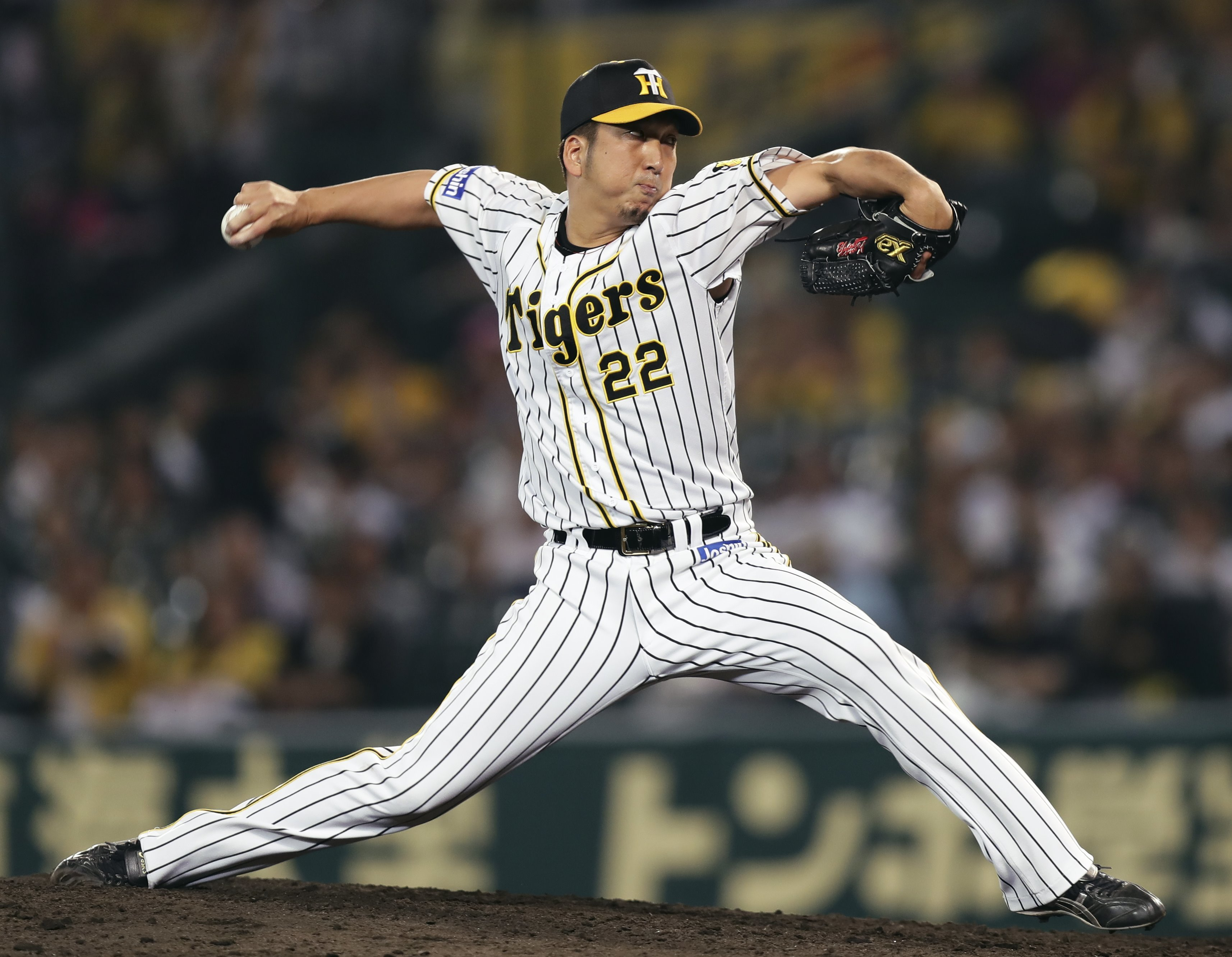 阪神―西武1  8回に登板し、好投した阪神・藤川=甲子園