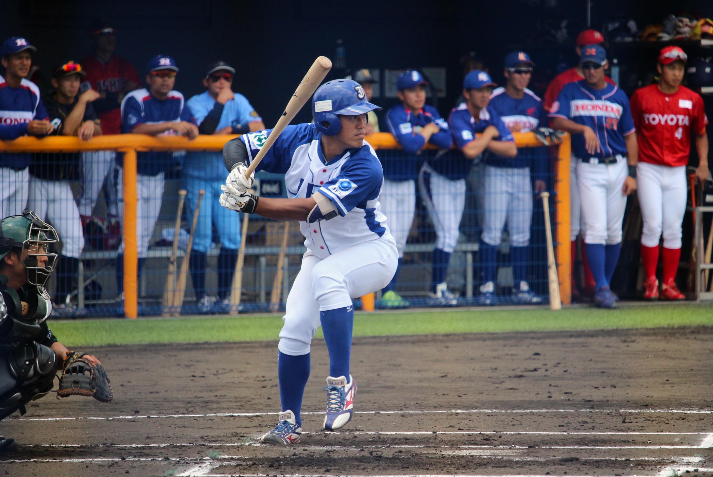 6月には侍ジャパン社会人代表との練習試合で3打席本塁打を放つなど、NPB球団スカウトからの注目度も増している