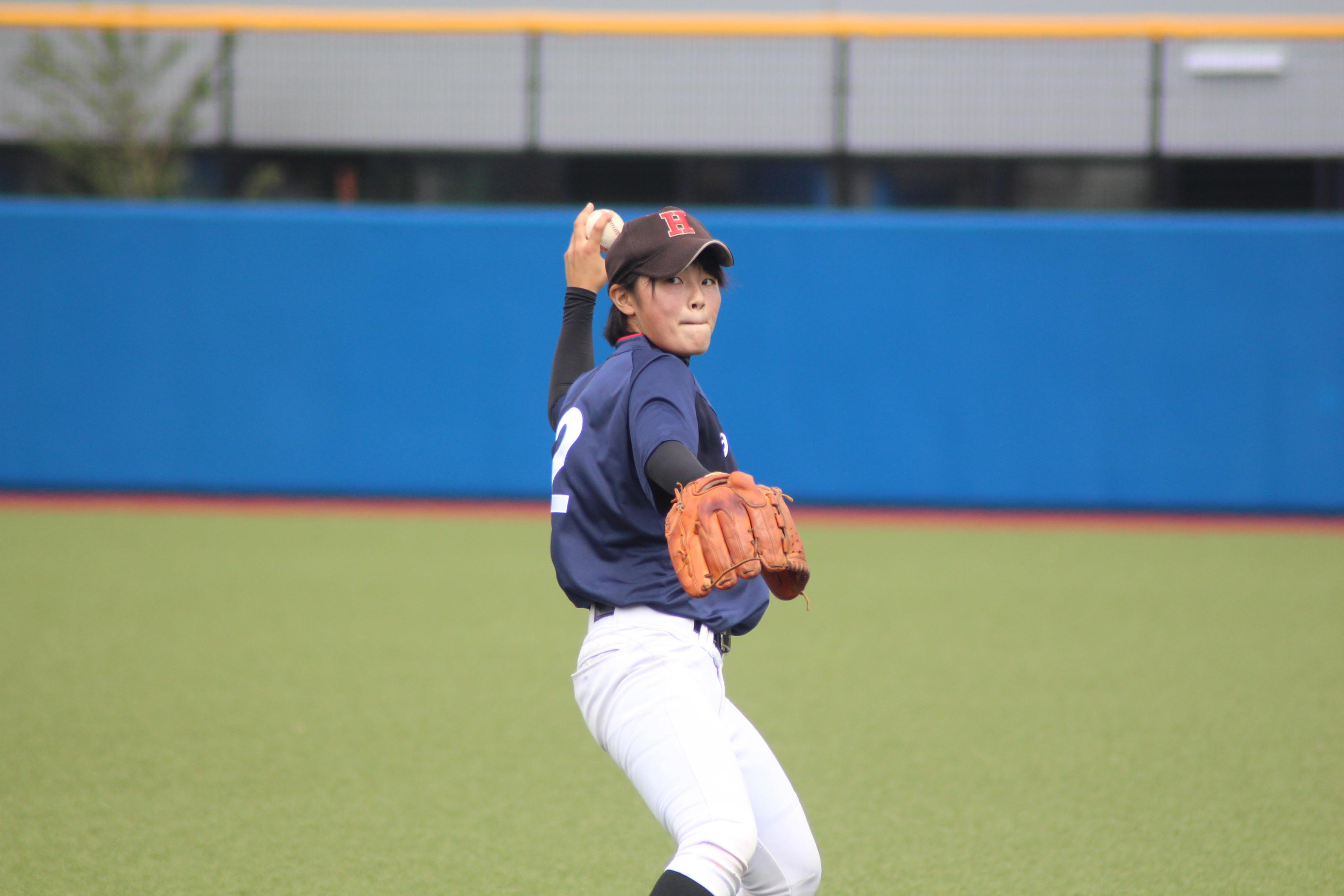 キャッチボール中の時田怜奈投手
