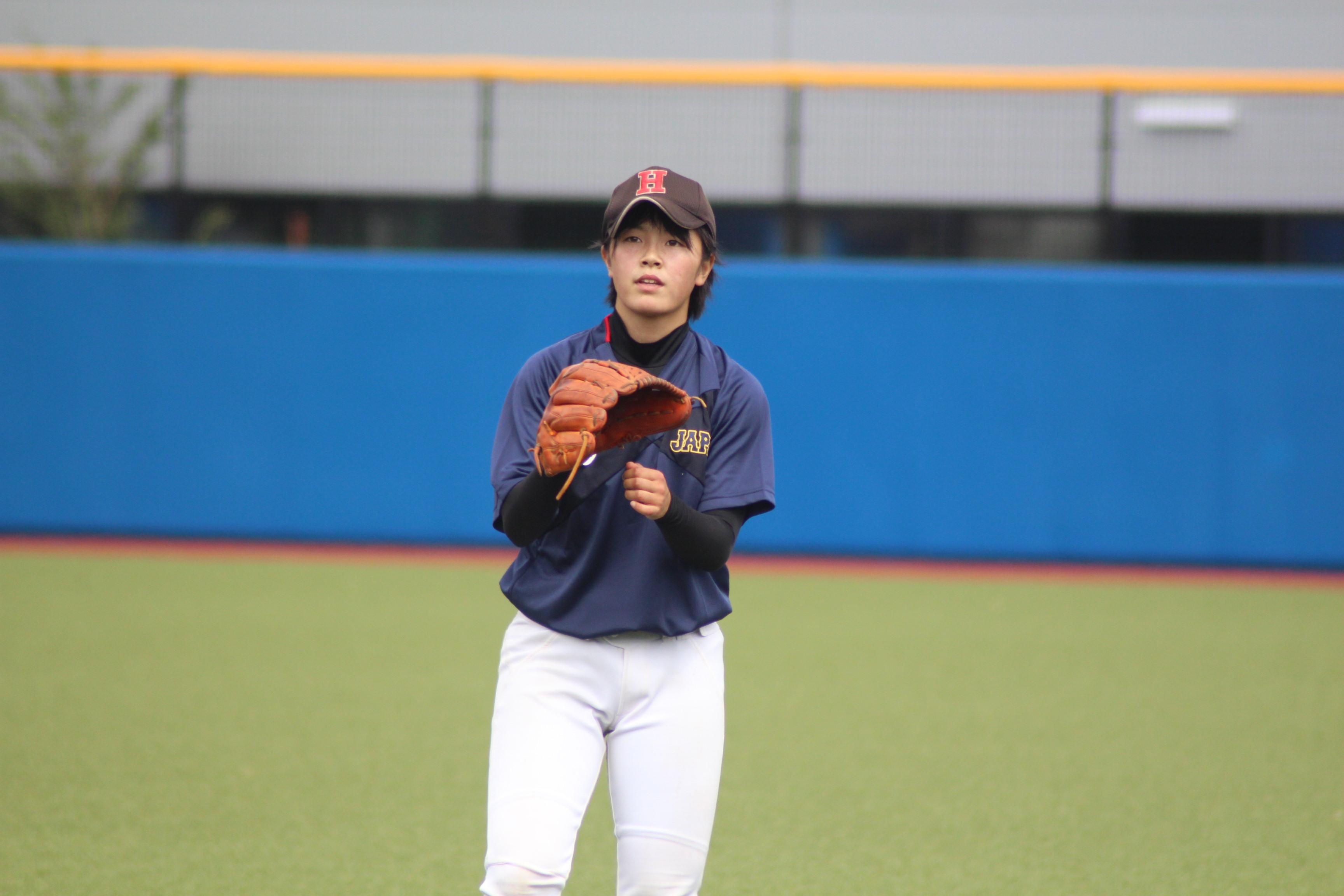 キャッチボール中の時田怜奈投手2