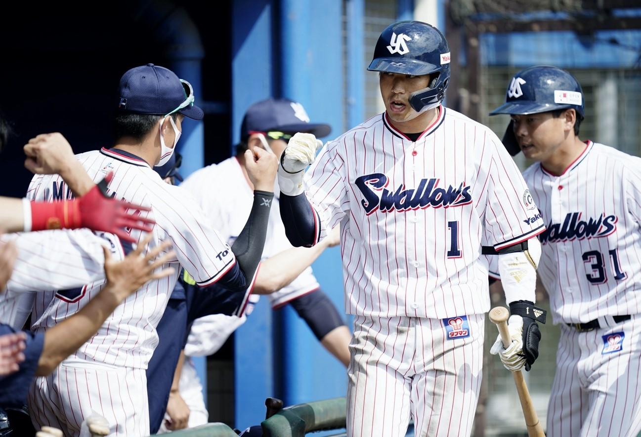 【写真提供=共同通信】新キャプテンとしてプロ11年目のシーズン臨む山田哲人(ヤクルト)。2月の実戦練習では2本塁打を放ち、昨季からの巻き返しへ向けて準備を進める。